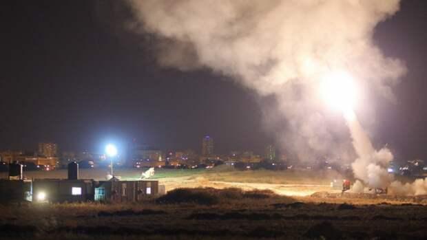 Израильская армия открыла ответный огонь по сектору Газа