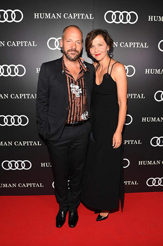 Питер Сарсгаард с супругой Мэгги Джилленхол