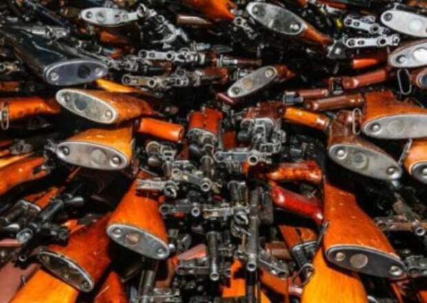 Восточная Европа на рынке нелегального оружия. Что скрывается за истерикой Чехии?