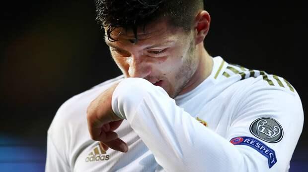 Форвард «Реала» Йович сломал ногу накарантине. Сказал, натренировке, нооказалось— после падения сдома