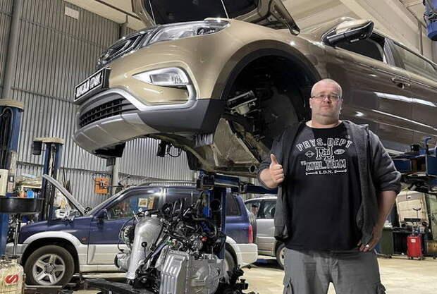 Блогер разобрал Geely Atlas, чтобы сравнить его с Toyota RAV4