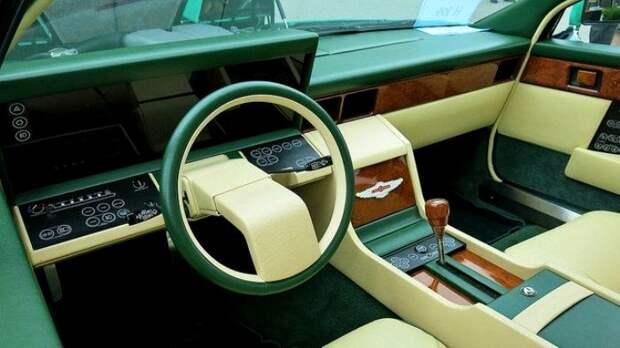 Внешний вид салона автомобиля 1982 года выпуска. /Фото: pinterest.de