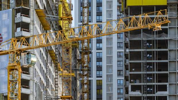 Жители еще четырех домов в Москве переехали в новые квартиры по программе реновации
