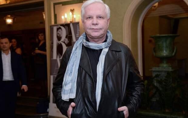 Стало известно, как и на что живёт 66-летний Моисеев после двух инсультов