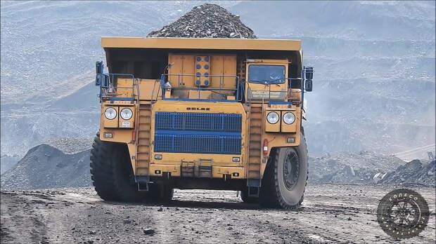 По улицам слона водили... БелАЗ 75306 грузоподъёмностью 220 тонн.