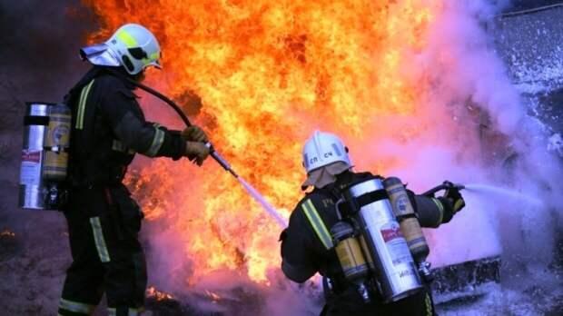 МЧС РФ сообщило о пожаре в жилом доме в Крыму