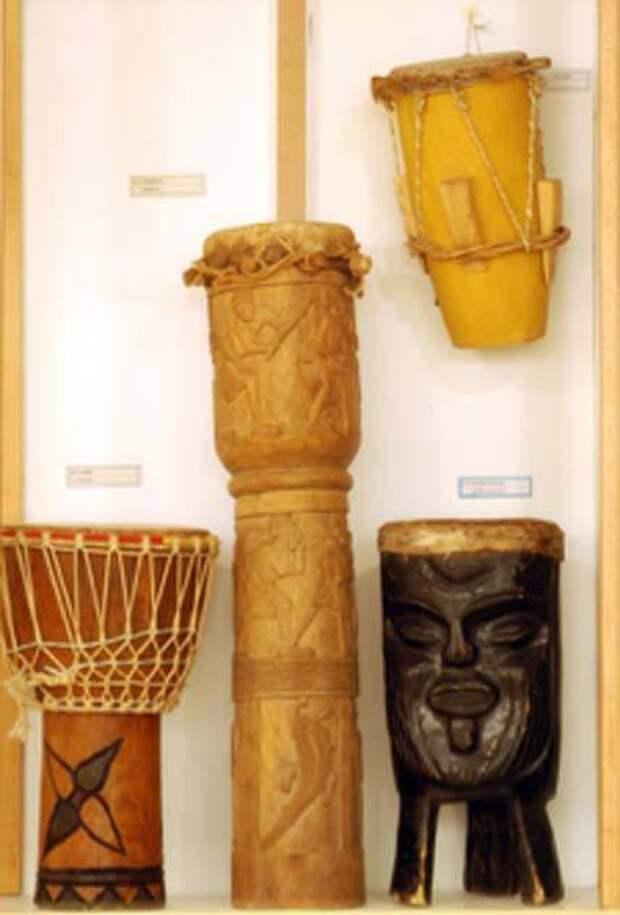 Когда и как появились первые барабаны