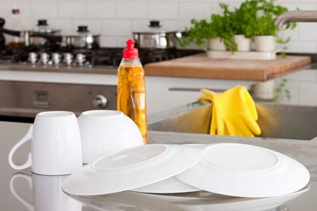 10 полезных свойств жидкости длямытья посуды, окоторых вы даже недогадывались