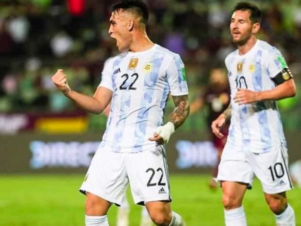 Сборная Аргентины покинула поле сразу после начала матча с бразильцами