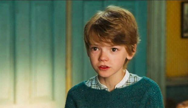 Случаи, когда актёры играли персонажей, чей экранный возраст значительно отличался от их реального
