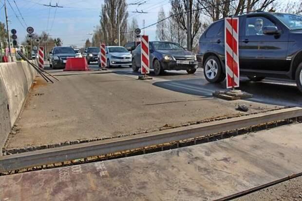 Движение в Калининграде стопорит ремонт путепровода на Киевской
