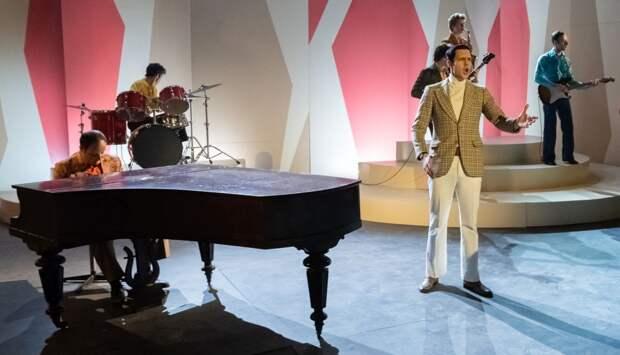 Премьера «Магомаева» с Милошем Биковичем состоится на Первом канале 9 марта