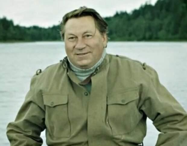 Гениальный Василий Меркурьев: спас жену, воспитал 8 детей и успевал сниматься