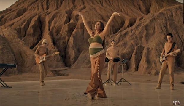Кети Топурия подтвердила беременность в новом клипе А'Studio