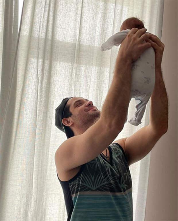 Марк Богатырев рассказал о трудностях отцовства и первом месяце жизни сына
