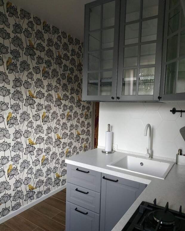 Очень грамотный ремонт хрущёвской кухни 5 кв.м. Пожалуй, лучший среди тех, что я видела. Сделала бы себе такой же без раздумий