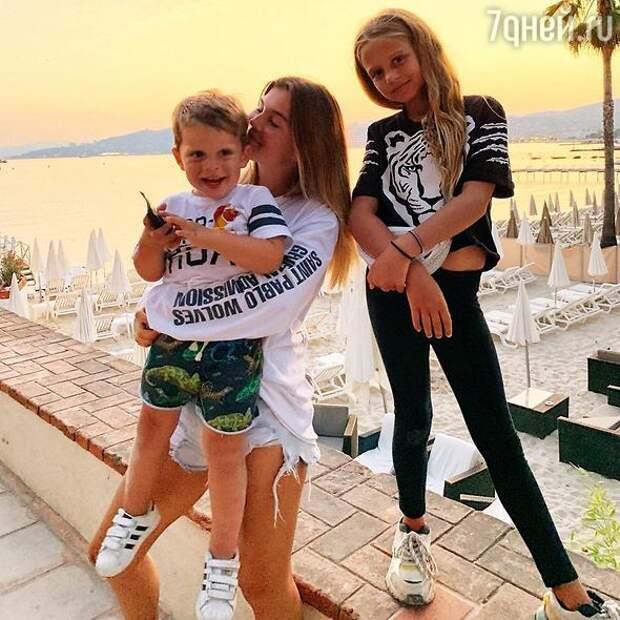 Младшая дочка Анны Седоковой резко повзрослела