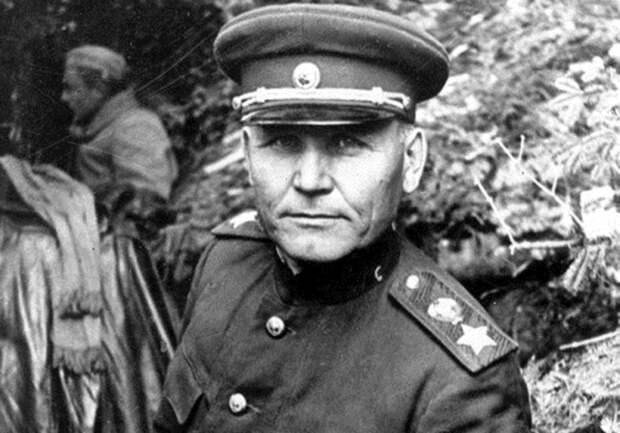 Маршал Конев много писал об отрядах фаустников. /Фото: proza.ru.
