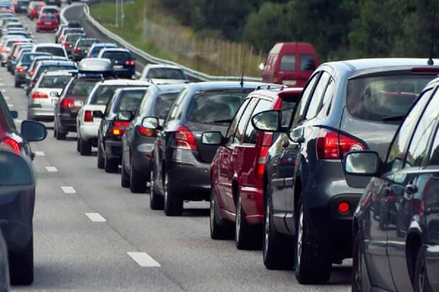 Автоэксперт рассказал, какие изменения ждут российских водителей в 2021 году