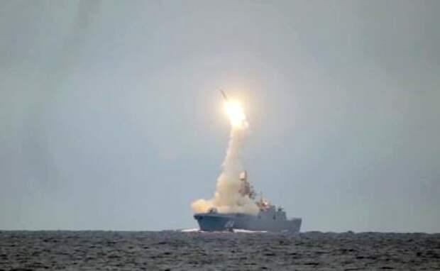 На фото: запуск гиперзвуковой крылатой ракетой «Циркон» с головного фрегата проекта 22350 «Адмирал Флота Советского Союза Горшков»