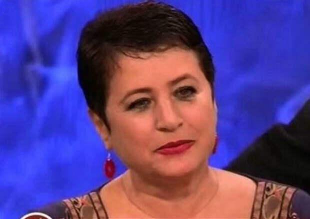 """""""Жаль вас"""": Ирина Млодик ответила женщине, сравнившей Диброва и его жену с """"папой и дочкой"""""""