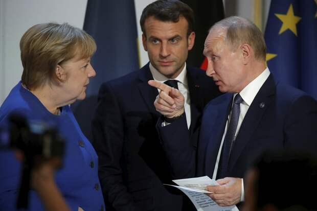 Слуги собственного страха и заказной русофобии