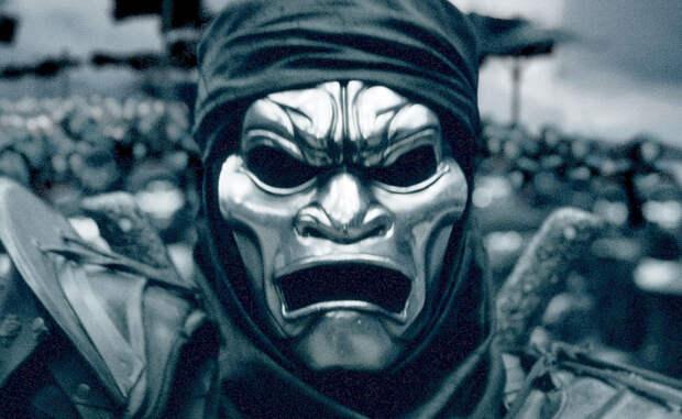 Реинкарнация вторая Иран никак не мог отказаться от красивой легенды об элитных воинах. У последнего шаха Ирана также появился собственный отряд Бессмертных, правда численность его уже не превышала пяти тысяч человек. К ним же был приписан танковый батальон Чифтен, ни разу не принявший участия в реальных боевых действиях. Революция 1979 года окончила эту славную историю отряда, бойцы которого долгие века считались лучшими во всей Европе.
