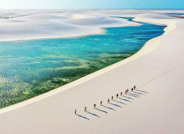 Видео: Ленсойс-Мараньенсис — бразильская пустыня с сотнями озер, похожая на мираж