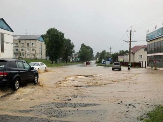 В Ялте из-за обрушения дороги заблокирована городская станция скорой помощи