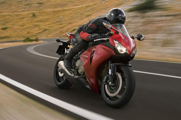 Мотоцикл как самый опасный транспорт.