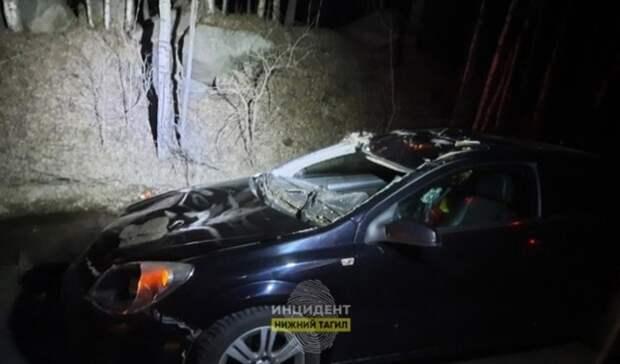 Два человека попали вбольницу после ДТП слосем под Екатеринбургом