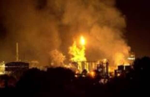 На нефтехимическом заводе в Испании произошел взрыв