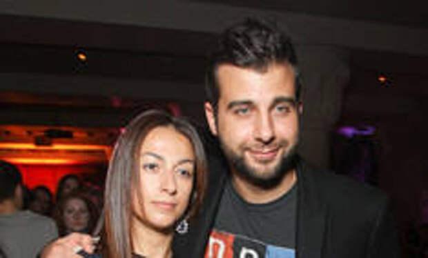 Ургант поделился редким кадром с женой Натальей с каникул в США