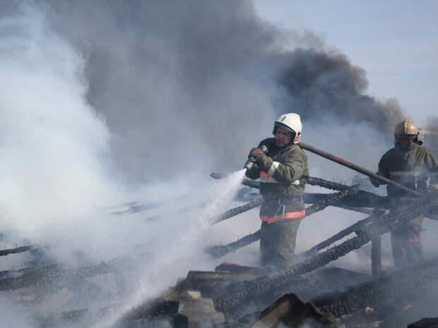 Огонь чуть не уничтожил дом в Агинском районе Забайкалья
