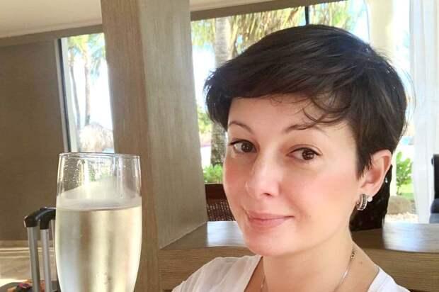 Экс-солистка «Непары» Талышинская ответила на обвинения в пьянстве
