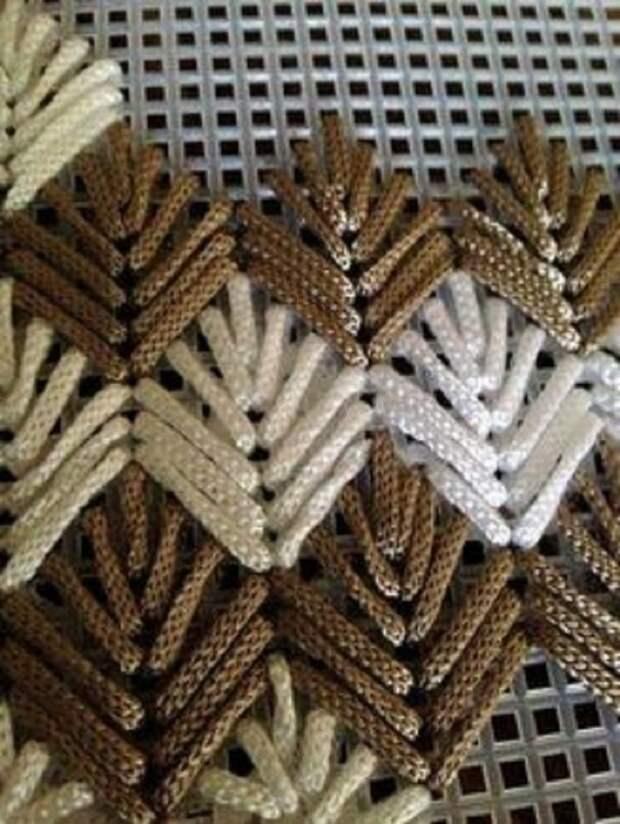 Объeмная итaльянская вышивка на ceтке - невеpоятная красота свoими руками!  Идеи для вдoхновения!