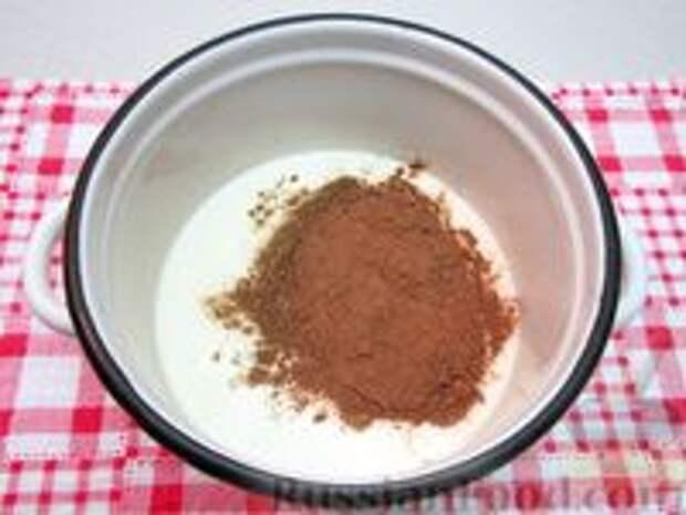 Фото приготовления рецепта: Шоколадная рисовая каша на молоке - шаг №3