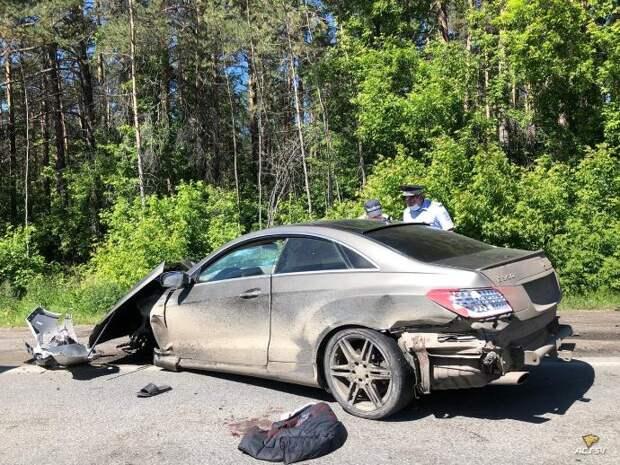 Молодой водитель Медседеса попал в серьезное ДТП в Новосибирске