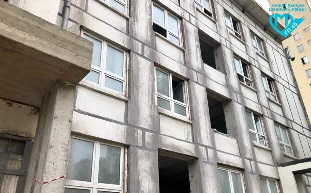 В поликлинике на Флотской усилили несущие конструкции