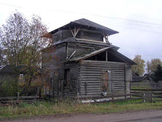 В сгоревшей новгородской деревне огнем уничтожена часовня XVIII века
