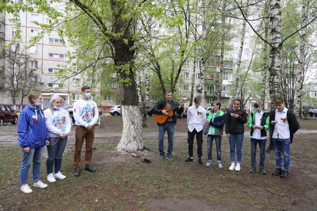Жители Нижегородской области участвуют втворческих концертах «Поем двором»