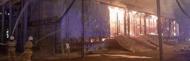 Крупный пожар произошел на ТОО «КазГПЗ»