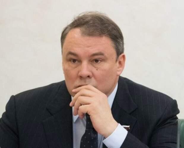 Толстой рассказал, как заявление Земана ставит Чехию в неудобное положение