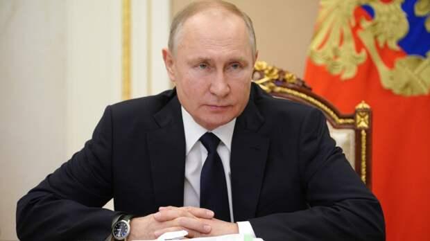 Путин подписал указ о выходных днях между майскими праздниками