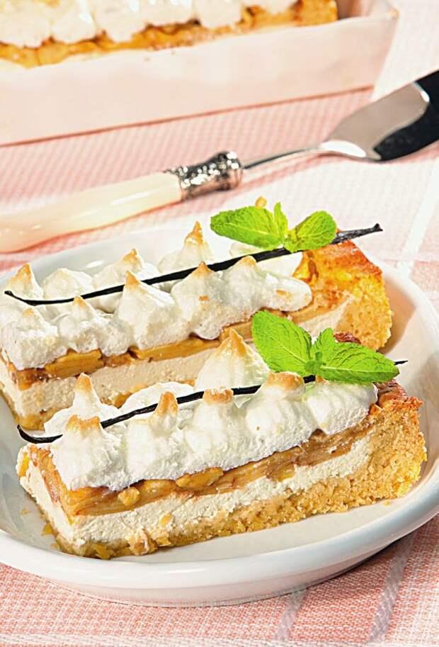 Творожно-яблочный пирог. Фото: Олег Кулагин /ЦФА Burda