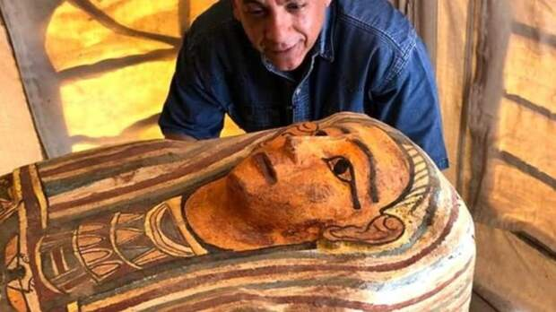 В Египте археологи обнаружили 27 древних саркофагов