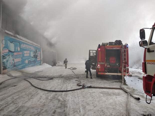Трое спасателей стали жертвами пожара в Красноярске