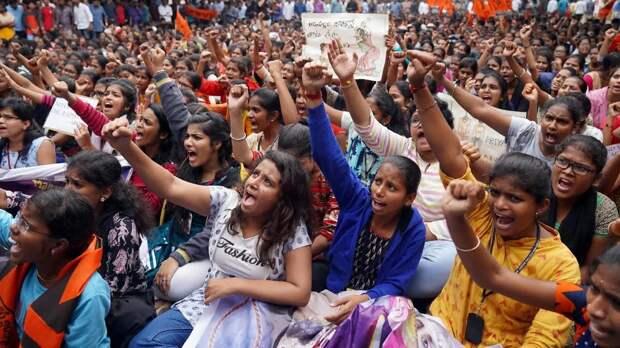 Twitter поддерживает протесты в Индии