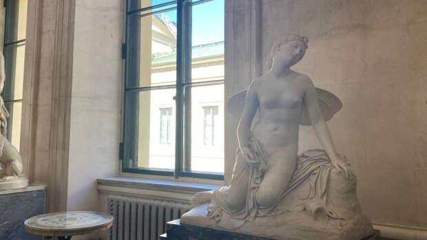 Опубликованы фото отреставрированных скульптур из  петербургского Эрмитажа