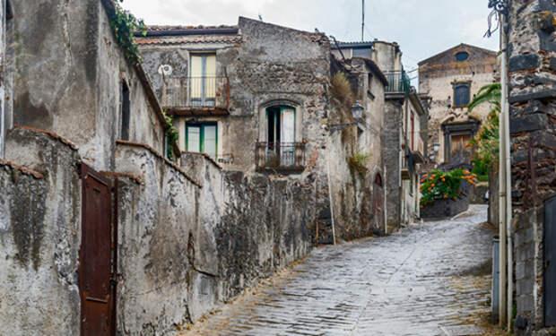 Смотрим внутри дом, который в Италии продают за 1 евро: видео